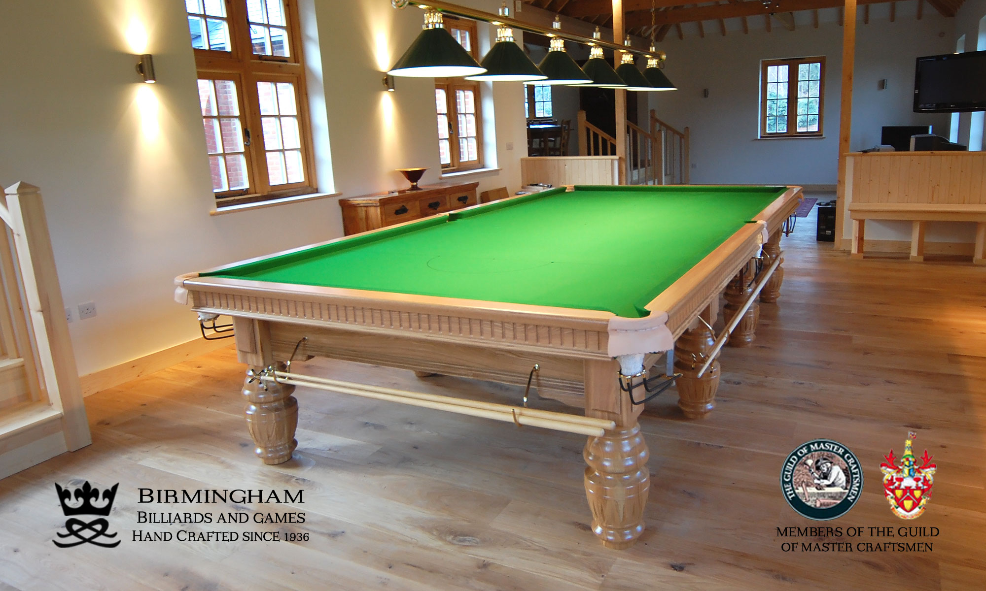 Classic royal snooker table