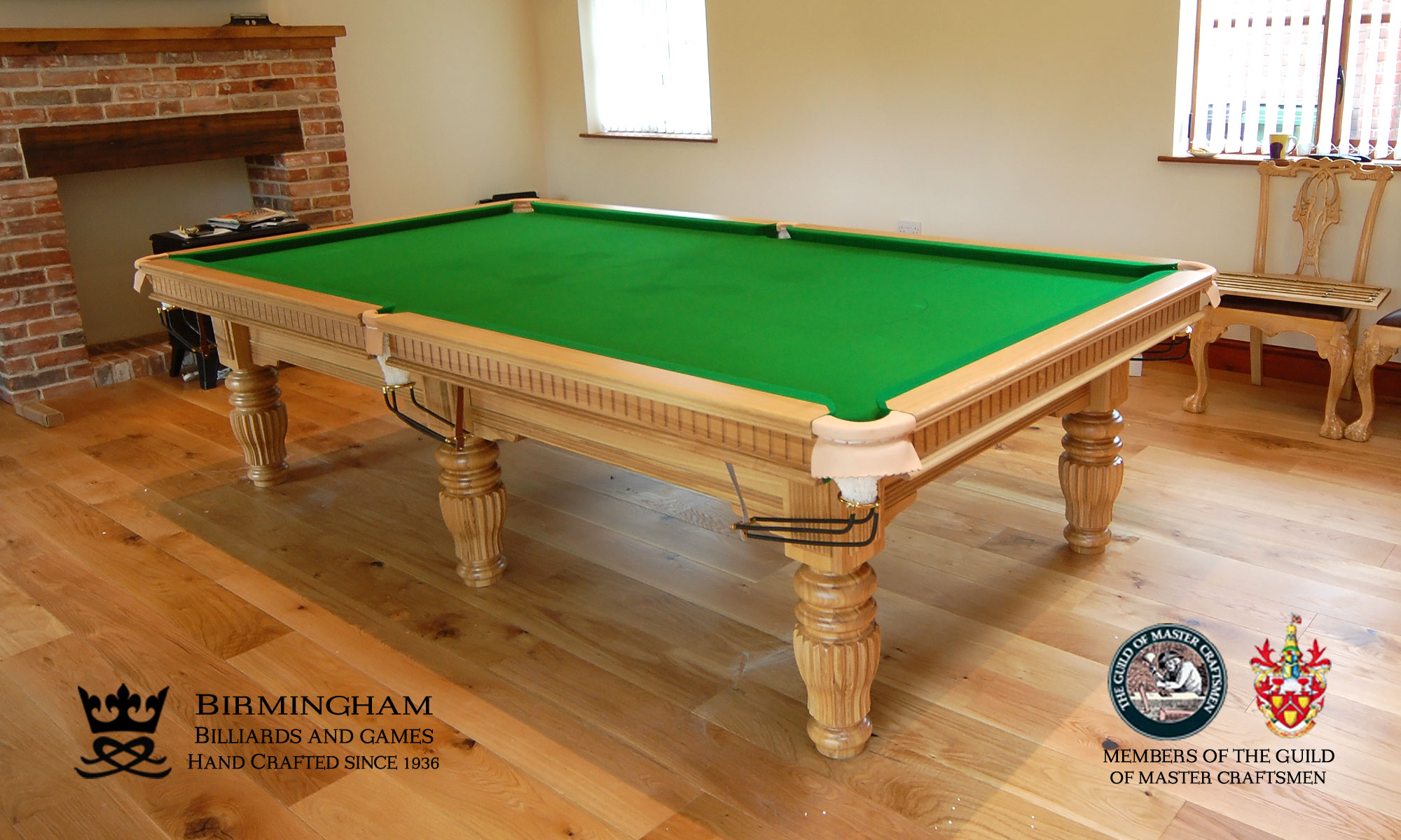 The Solar luxury pool table, light oak, olive green baize, side view