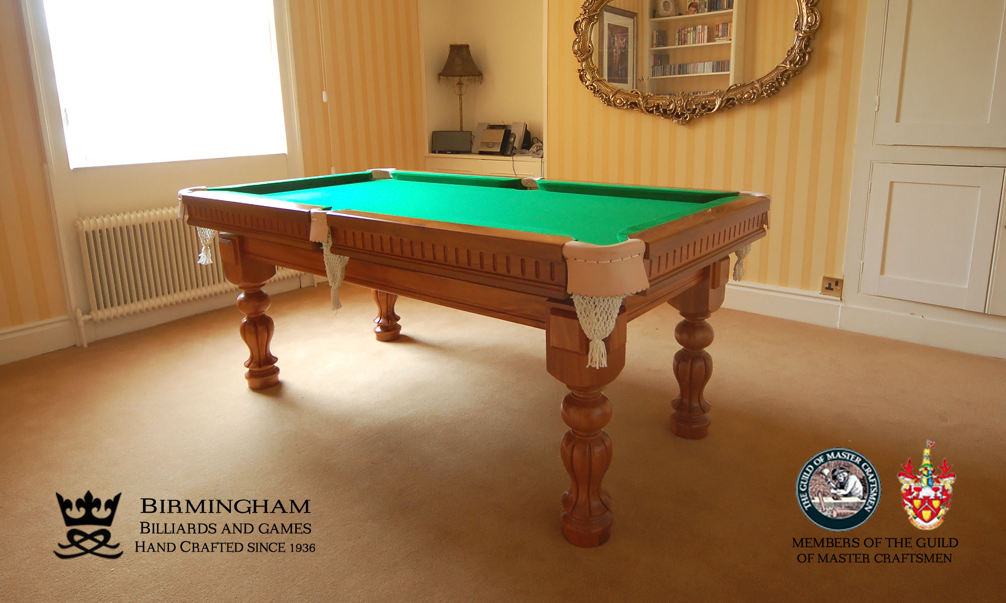Timeless classic pool table, tulip style